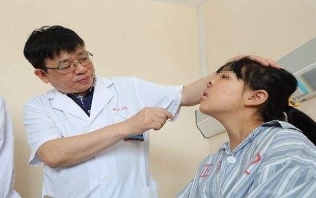 Xiao không thể thở bằng mũi trong suốt 16 năm. Ảnh: Dailymail.