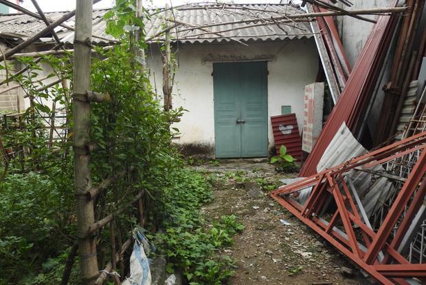 Theo những người dân địa phương, ông Tuấn rất ít khi lui tới căn nhà này. Tuy nhiên, nếu có gặp người dân, ông Tuấn vẫn niềm nở chào hỏi.Ảnh: Đời sống & Pháp lý
