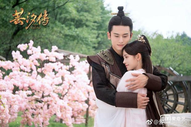 Tần Vương Long Phi Dạ và Hàn Vân Tịch