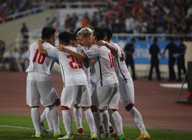 HLV U23 Oman khen ngợi bóng đá Việt Nam có thế hệ vàng.