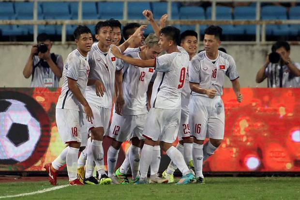 Olympic Việt Nam vô địch trước 1 lượt trận. Ảnh: Thanh niên.
