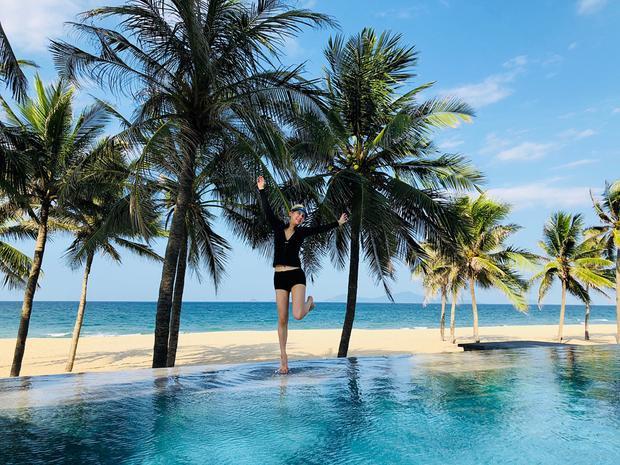 Tiểu thư nhà tỷ phú giàu nhất Singapore khoe ảnh du lịch tại Đà Nẵng cùng hội bạn thân sang chảnh