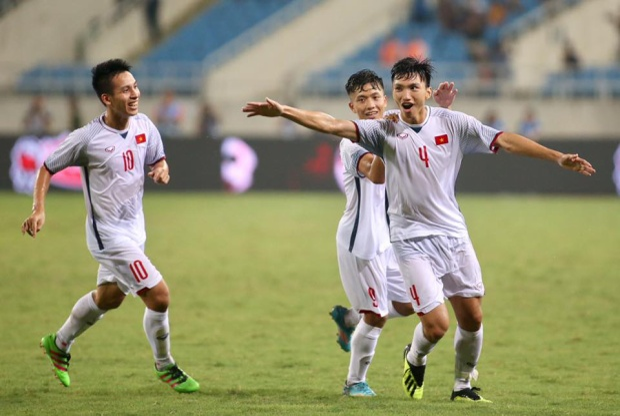 Đoàn Văn Hậu đang là ngôi sao tuổi 19 của bóng đá Việt Nam. Ảnh: LT