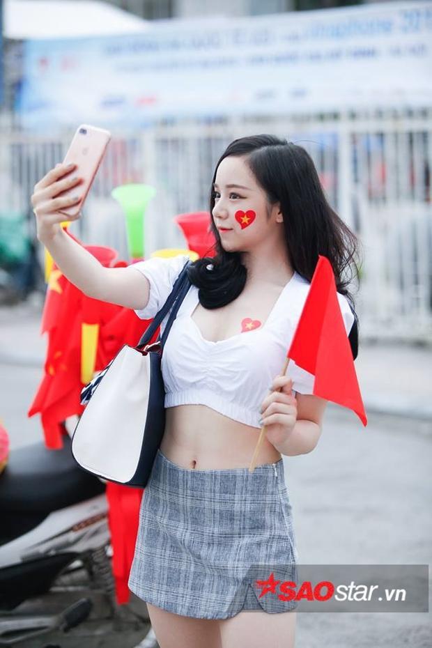 Cộng đồng mạng bất ngờ khi Thủy Tiên không đi xem U23 Việt Nam.