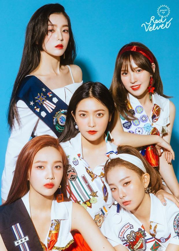"""Tạo hình của Red Velvet trong lần comeback này là theo concept """"Red"""", tức trẻ trung, sôi động."""