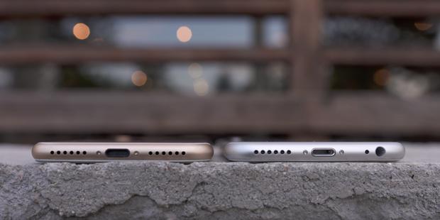 Ở thời điểm hiện tại, khá nhiều nhà sản xuất đã cho ra sản phẩm không có jack cắm tai nghe. Động thái này hoặc giúp điện thoại mỏng hơn hoặc giúp các nhà sản xuất có thêm không gian bên trong máy để bố trí linh kiện.
