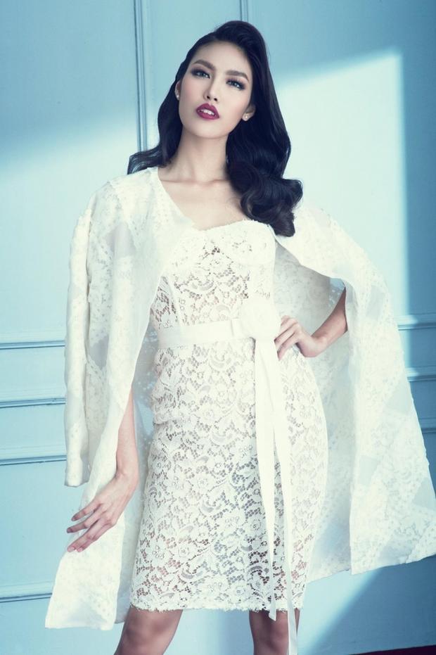 Ngoài việc từng đoạt giải vàng Siêu mẫu Việt Nam 2013, cô nàng còn có kinh nghiệm tham gia 2 mùa Gương mặt Thương hiệu.
