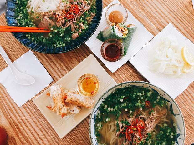 Thật tự hào khi những quán ăn Việt ở Seoul nổi tiếng đến nỗi được lên phim