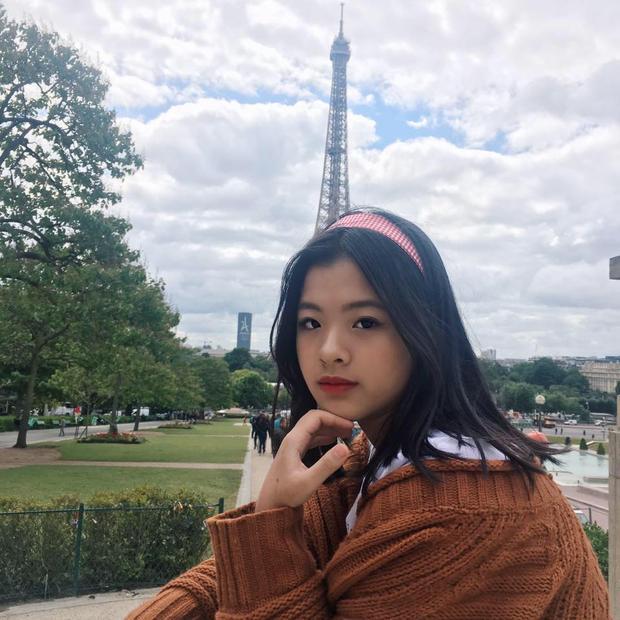 Hồng Khanh được hứa hẹn sẽ trở thành một trong những mỹ nhân tương lai của showbiz Việt.