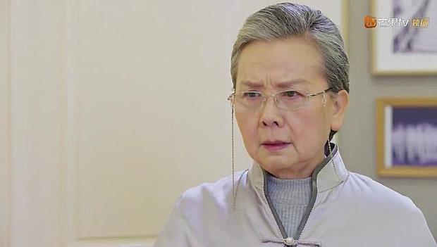 Dù Sam Thái không nói ra lý do thật sự khiến cô rời đi nhưng thím Ngọc dường như đoán được những gì Đạo Minh Phong đã gây ra.
