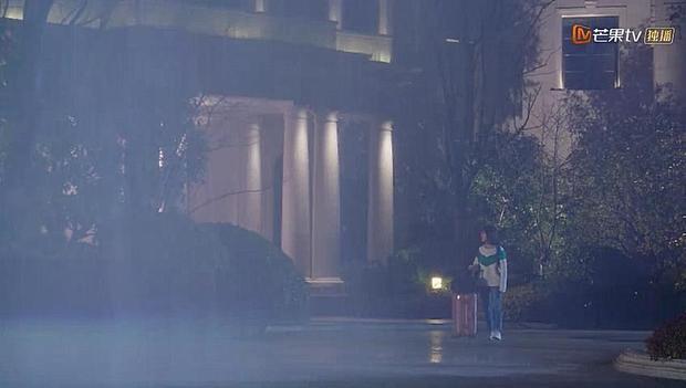 Phân cảnh chia tay dưới mưa đầy cảm động của Sam Thái và Đạo Minh Tự là điểm sáng nhất tập phim.