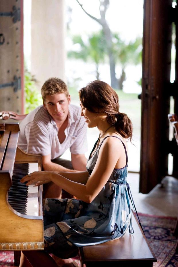 Họ đã phải lòng nhau khi cùng đóng chung trong The Last Song.