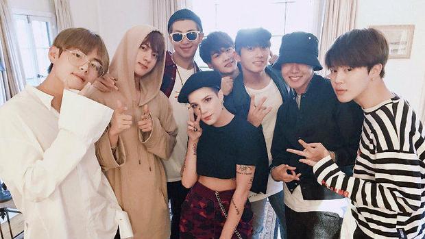 Họ gặp nhau lần đầu tiên là tại đêm Billboard Music Awards 2017.