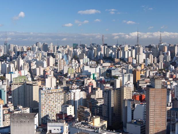 """22% khoảng thời gian lái xe tương đương 86 giờ mỗi năm bị mắc kẹt trong tắc nghẽn là những gì các tài xế tại Sao Paolo, Brazil phải """"chịu đựng"""" trong năm 2017."""