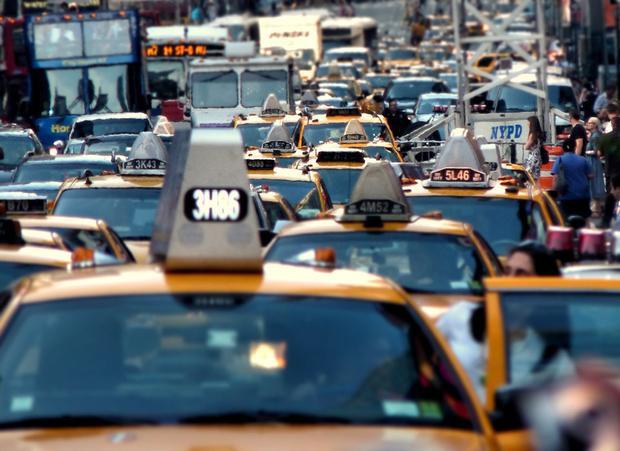 Nếu như trong năm 2016, lái xe tại New York, Mỹ chỉ bị kẹt xe khoảng… 89 giờ, một năm sau đó, khoảng thời gian này đã tăng lên 91 giờ.
