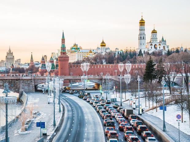Moscow, Nga là thành phố kẹt xe trầm trọng nhất Châu Âu khi lái xe phải dành khoảng 26% thời lượng lái xe trong cảnh tắc đường.