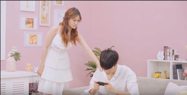 Giận dỗi vì bạn trai mê chơi game. Cặp đôi Yoon Trần và An Vy viết tiếp câu chuyện tuổi thanh xuân 'cực ngọt' trong clip mới