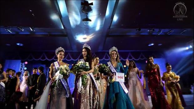 Người xếp thứ 2 cuộc thi là đại diện Chile. Vị trí thứ 3 thuộc về đại diện Hồng Kông.