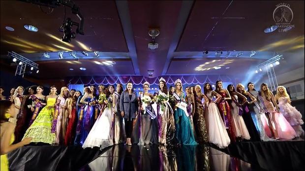 Ba người đẹp lọt top 6 lần lượt được trao danh hiệu Á hậu 1, 2 và 3 là đại diện Thái Lan, Bolivia và Mông Cổ.