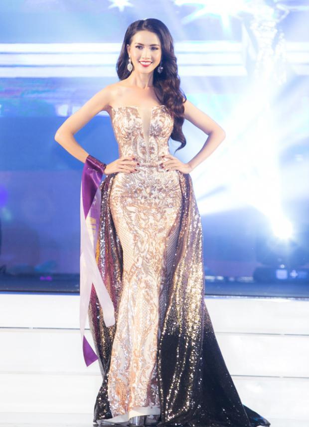 Phan Thị Mơ chọn trang phục dạ hội của nhà thiết kế Hằng Nguyễn.