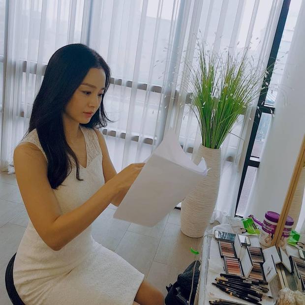 Kim Tae Hee bất ngờ đăng ảnh tự sướng đập tan tin đồn béo  xấu sau sinh con