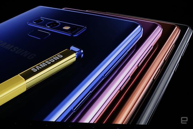 Năm nay, Samsung Galaxy Note9 sẽ ra mắt với bốn phiên bản màu máy khác nhau bao gồm xanh nước biển, tím, đen và đồng.