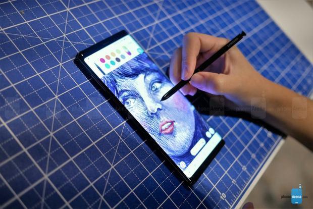 Cận cảnh Samsung Galaxy Note9 vừa ra mắt: Ngoại hình không mới nhưng vẫn đẹp ấn tượng!