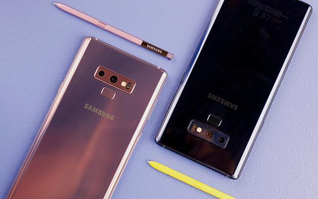 Samsung Galaxy Note9 có bốn phiên bản màu máy khác nhau là đen, xanh dương, đồng và tím.
