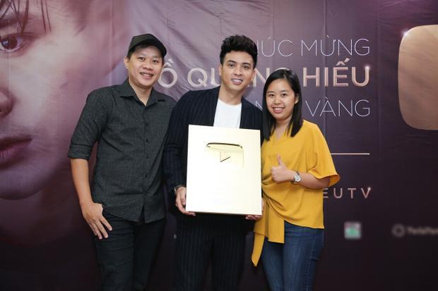 Sau Sơn Tùng M-TP, Hồ Quang Hiếu là ca sĩ Việt Nam thứ 3 đạt nút vàng YouTube