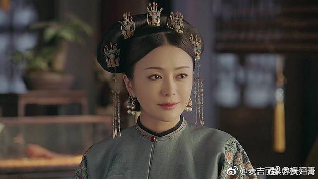"""Nhan sắc của """"Hoàng hậu"""" Tần Lam trong phim được khen ngợi hết lời."""
