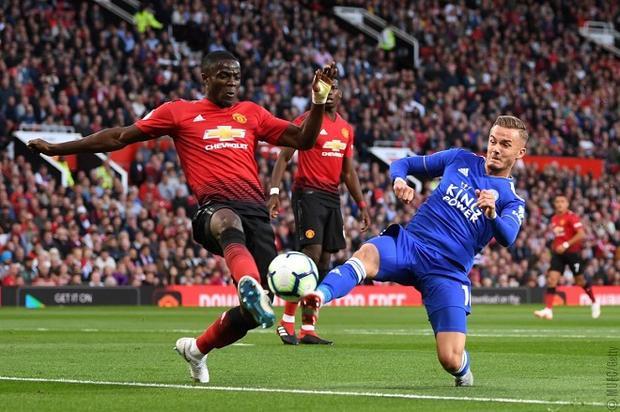 Man Utd chủ động chơi phòng ngự phản công sau bàn mở tỉ số. ảnh: Twitter.