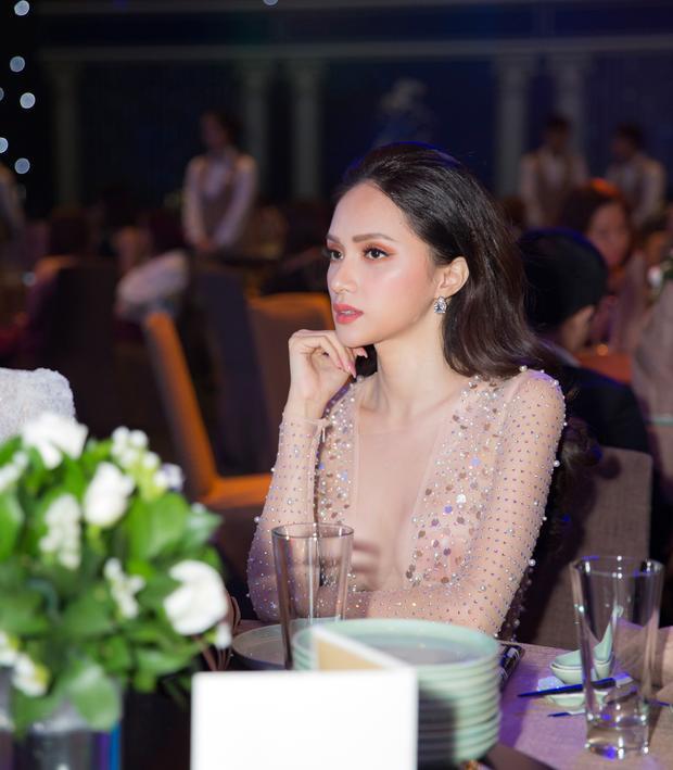 Vừa đăng quang Hoa hậu Chuyển giới Quốc tế 2018, Hương Giang đang là một trong những người đẹp được săn đón bật nhất V-biz hiện nay.