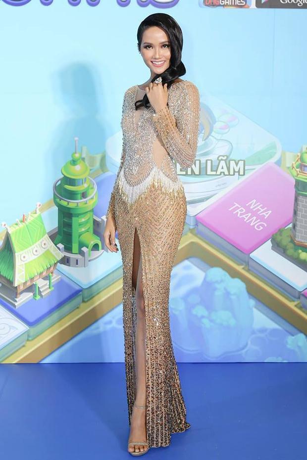 Đây có lẽ là hình ảnh táo bạo nhất mà H'Hen Niê thử nghiệm kể từ khi đăng quang Hoa hậu Hoàn vũ.