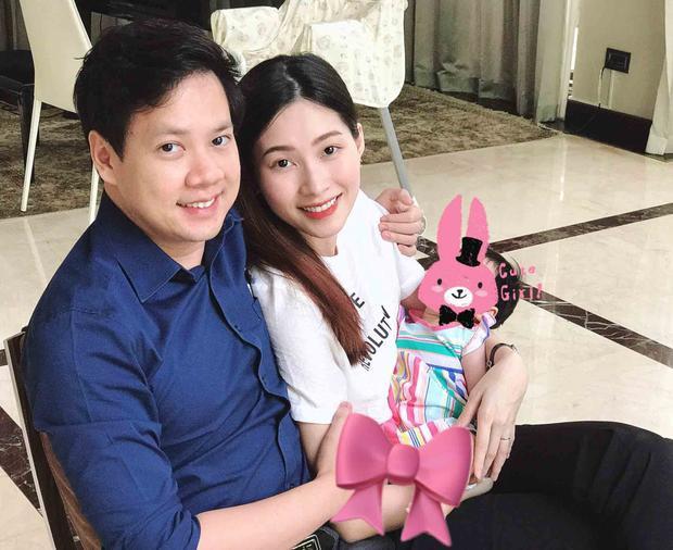 Hoa hậu Đặng Thu Thảo ngọt ngào bên con gái khiến fan 'tan chảy' - ảnh 3