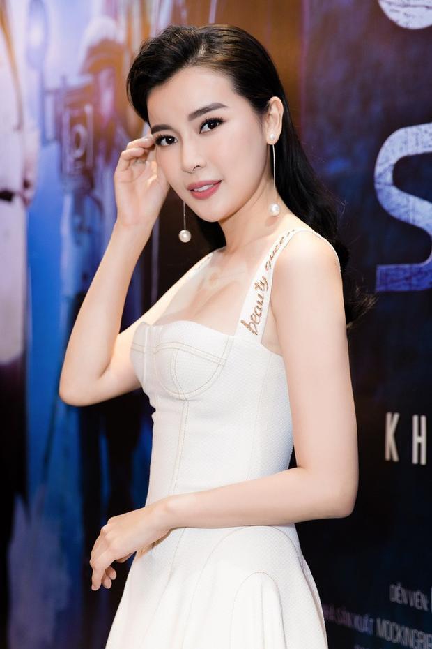 Cùng chung tâm trạng đó còn cóca sĩ Cao Thái Hà, nữ diễn viên Hậu duệ mặt trờicho biết, cô sẽ chuẩn bị một bộ trang phục đẹp nhất, thể hiện sự hiếu khách và thiện chí của người Việt khi đón tiếp bạn bè quốc tế.