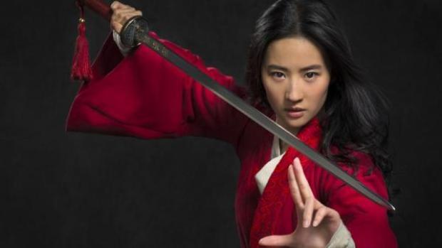 Tạo hình chính thức của Lưu Diệc Phi trong vai diễn Hoa Mộc Lan do chính ekip Disney tung ra.