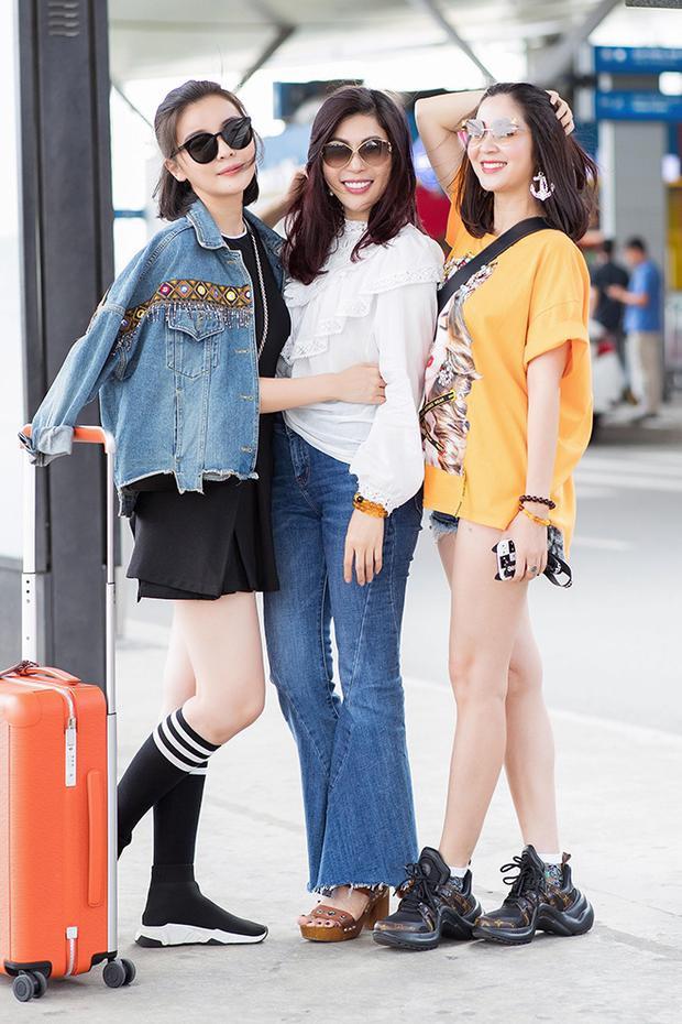 Cao Thái Hà và hai chị gái kết nghĩa Trúc Mai và Kim Sa khoe dáng xinh tươi