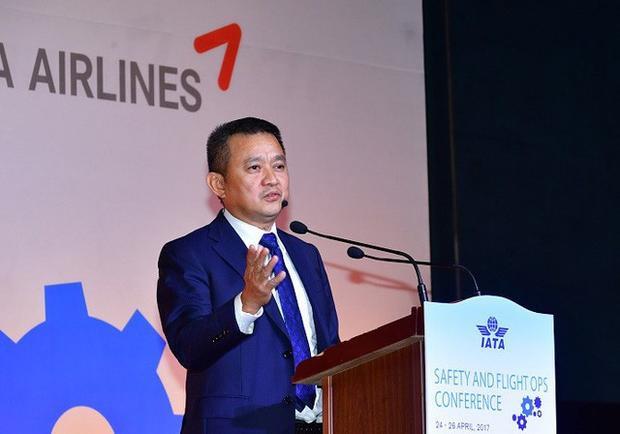 Ông Dương Trí Thành - Tổng Giám đốc Vietnam Airlines - khẳng định sẽ xử lý nghiêm các sai phạm trong quá trình đào tạo phi công