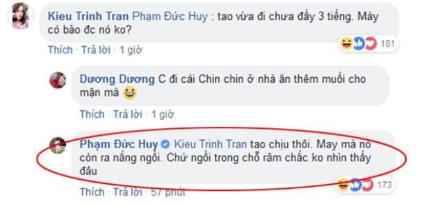 """Phạm Đức Huy bình luận """"dìm"""" Chinh """"đen"""". Khoe ảnh tắm nắng cùng Quang Hải, 'thánh lầy' Đức Chinh lại làm điều sau!!"""