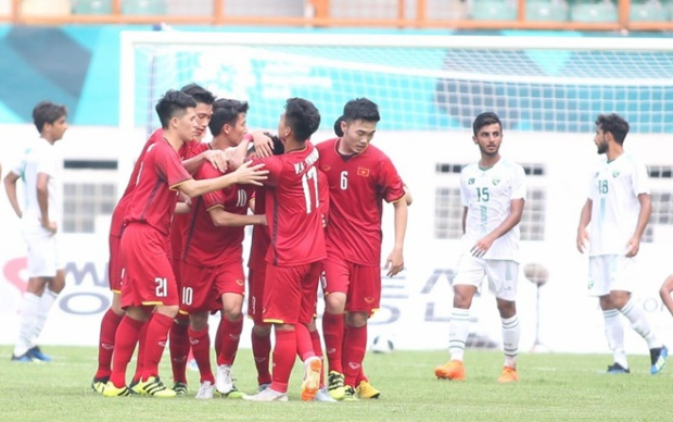 Người hâm mộ đồng hành cổ vũ cho U23 Việt Nam hạ U23 Bahrain.