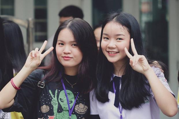 Ngày nhập học mới thấy các nữ sinh lớp 10 bây giờ cũng sở hữu nhan sắc không phải dạng vừa đâu! Ngày nhập học mới thấy các nữ sinh lớp 10 bây giờ cũng sở hữu nhan sắc không phải dạng vừa đâu!