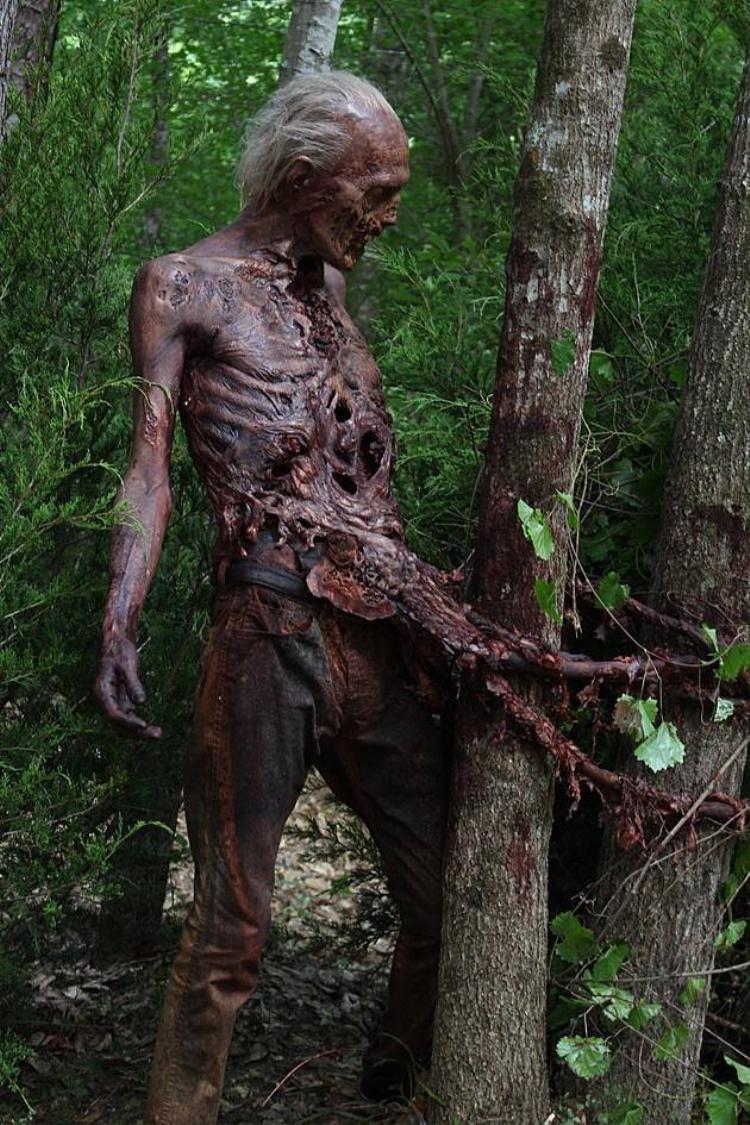 Xác sống ngày càng kinh dị hơn trong 'The Walking Dead'