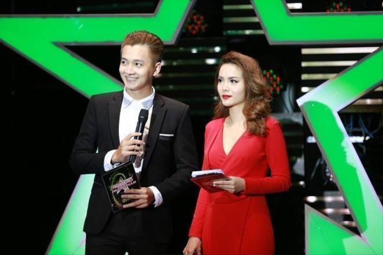 Khổng Tú Quỳnh đến trường quay thăm Ngô Kiến Huy