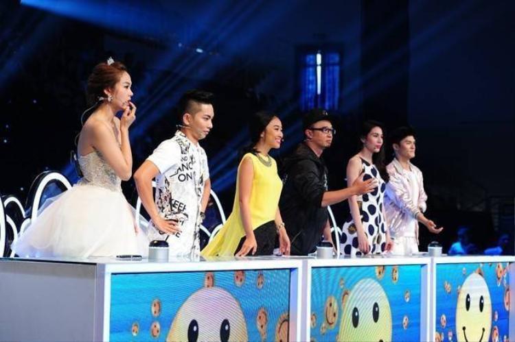 Thủy Tiên  Lâm Vinh Hải tranh cãi trên sóng truyền hình