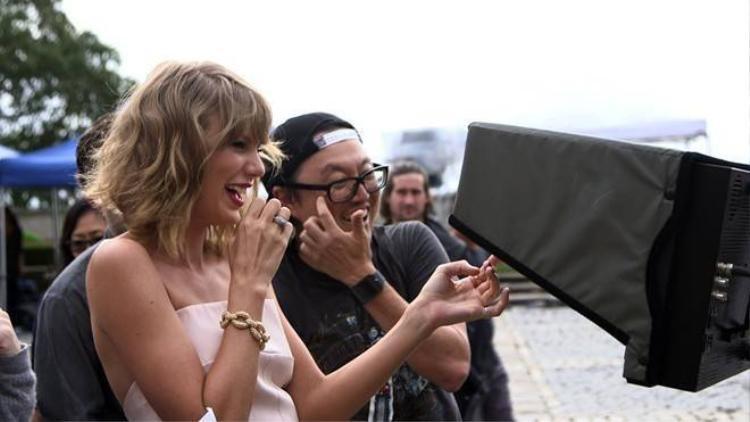 Đạo diễn của Taylor Swift phủ nhận nhái 2NE1