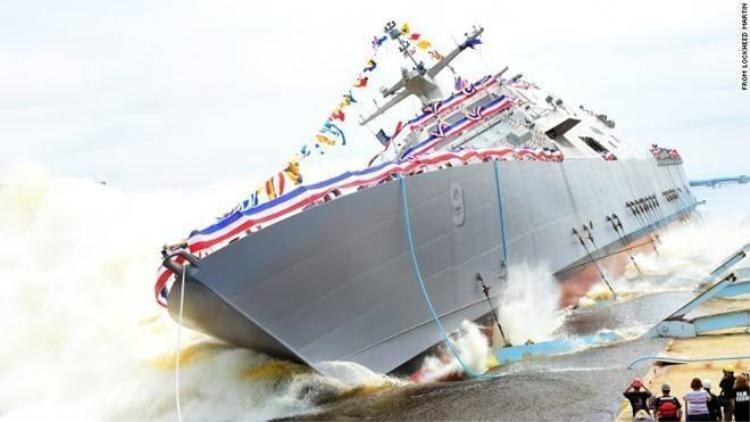 Chiến hạm mới của Mỹ chao đảo sau màn hạ thủy