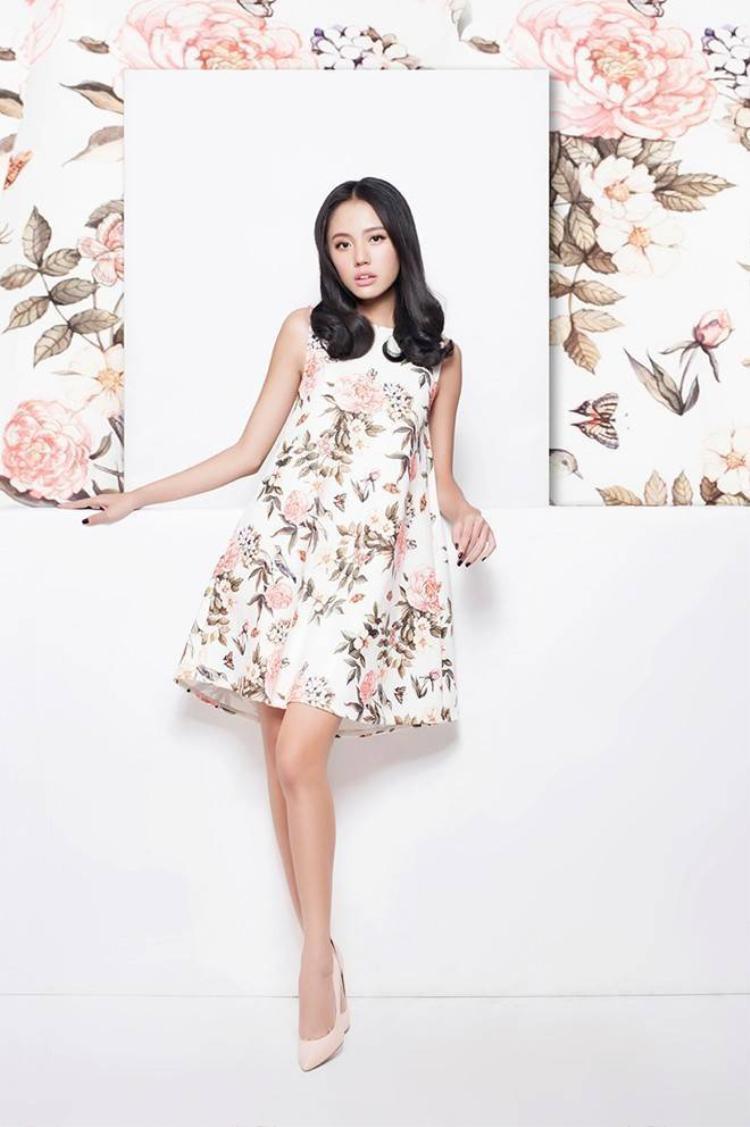 Phong cách thời trang Minimal Floral cho cô nàng nữ tính