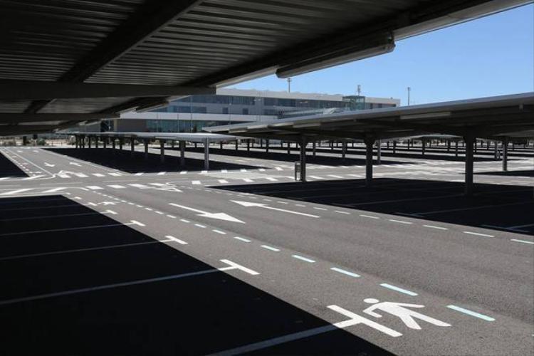 Vẻ hoang vắng bên trong sân bay ma ở Tây Ban Nha