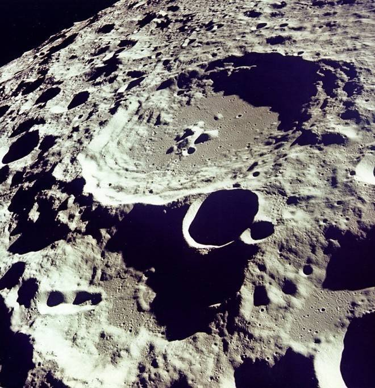 Toàn cảnh chuyến chinh phục mặt trăng đầu tiên của người Mỹ
