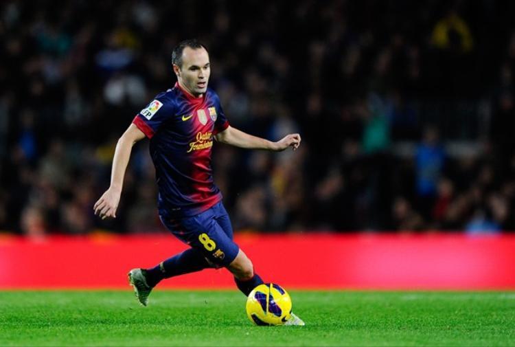 Mất tài khoản Instagram vì trùng tên với tiền vệ Iniesta
